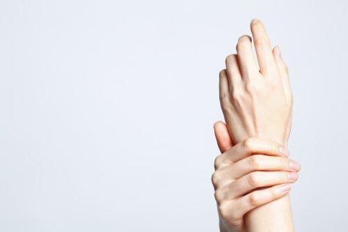 きれいな手は若さの象徴! 短期間でシワを消したいあなたへ