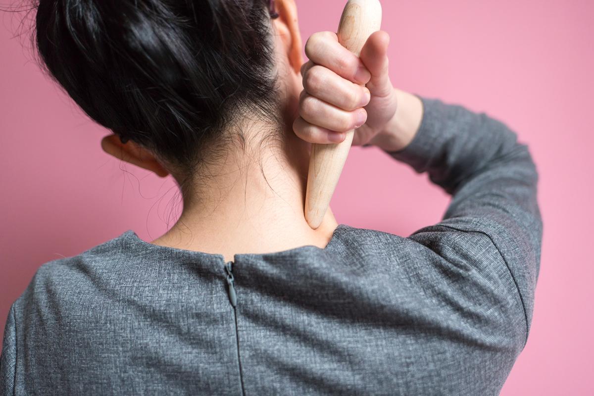肩こり・筋肉太りには美容外科の「プチ肩こり治療」!