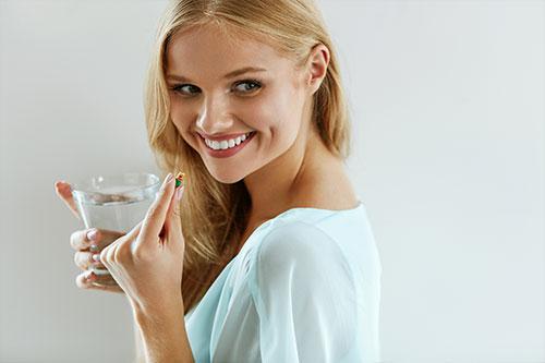 【シミ・肝斑の内服薬トラネキサム酸】厚生労働省が肌への美白効果を認めた成分 トラネキサム酸
