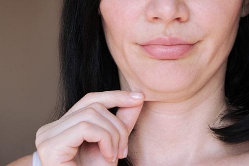 顔の下半分が美人な印象を作る