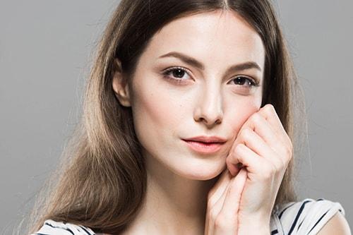 切らない美容医療:ヒアルロン酸注入