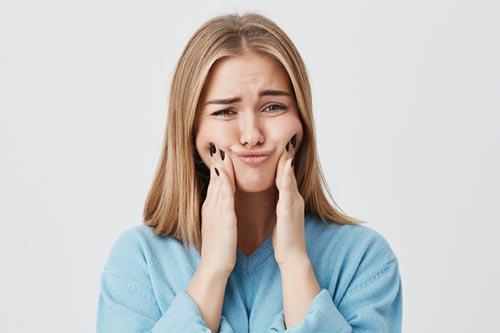 顔だけ太ることってあるの?「顔太り」の原因と改善方法