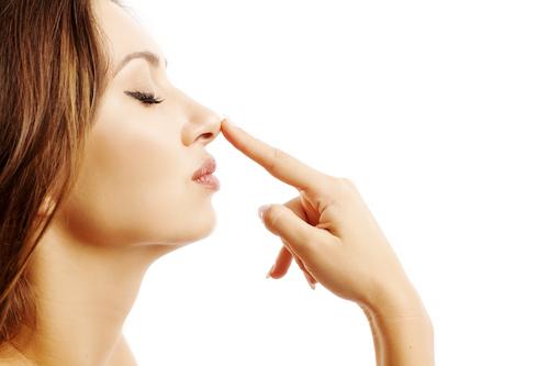 団子鼻を治したい!スッキリ美鼻を手に入れる方法