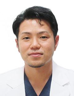津嘉山 雄 医師